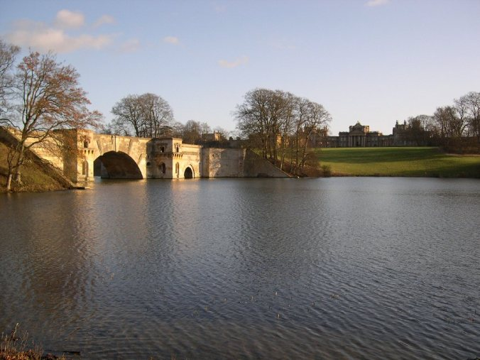 Blenheim_Palace_Grand_Bridge