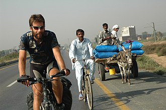 330px-Mark_Beaumont_-_2