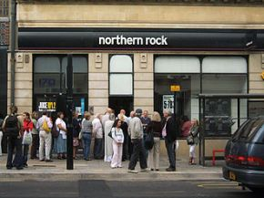 330px-Northern_Rock_Queue.jpg